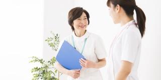 転職先で働く看護師