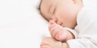 新生児と関わる看護師の仕事